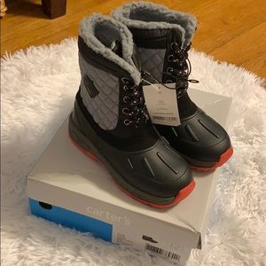 Carter's Boys snow winter boots NWT never worn